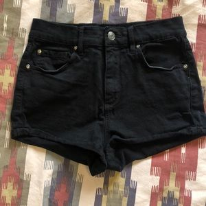 High wasted black jean shorts from garage